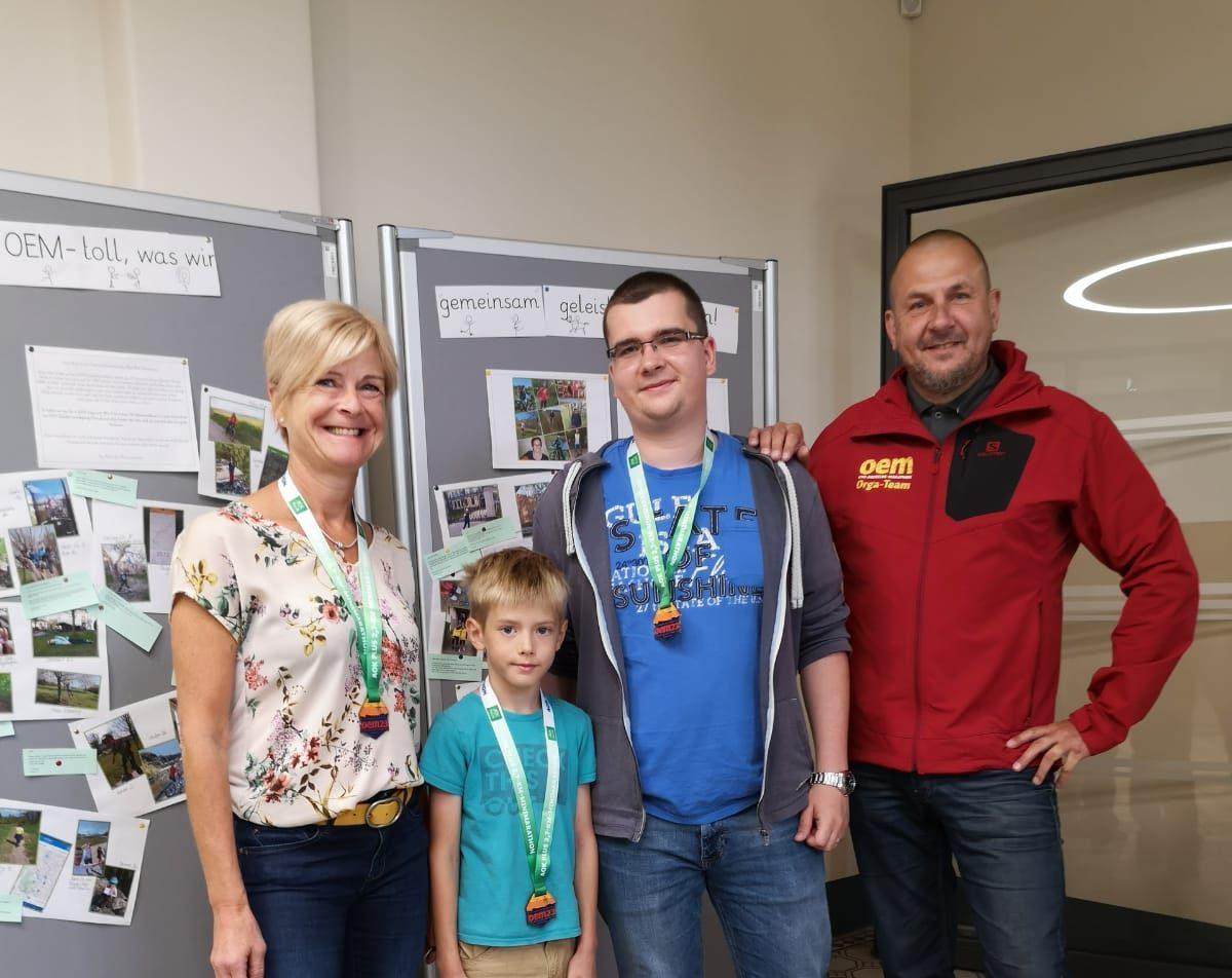 Übergabe Medaillen an 39. Grundschule Dresden