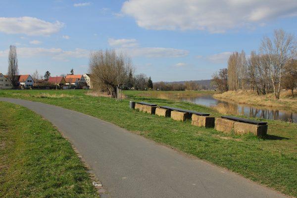 KM26_Elberadweg kurz vor Stadtteil Dresden-Zschieren