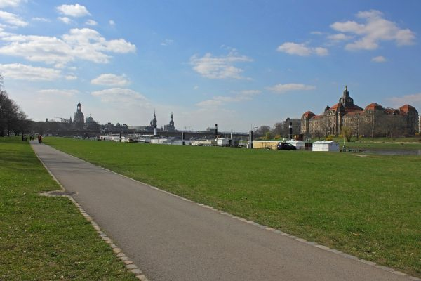 KM39,5_Elberadweg Blick auf Frauenkirche Dresden 3