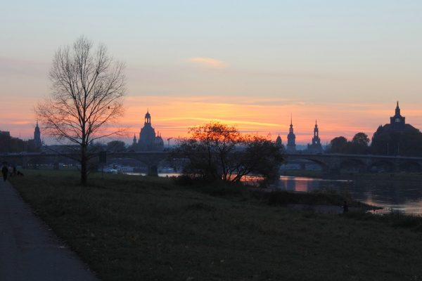 KM39,5_Elberadweg Blick auf Frauenkirche Dresden 4